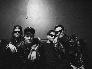 Drowners - Dr. Martens Tour Powered By Bandsintown