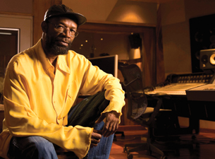 Beres Hammond and the Harmony House Musicians / Inner Circle / Culture featuring Kenyatta Hill