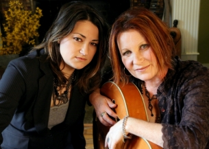 Jennifer Knapp & Margaret Becker - The Hymns Of Christmas Tour with Steff Mahan