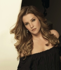 Lisa Marie Presley plus Clair Reilly Roe