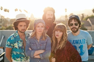 Rumours: The Ultimate Fleetwood Mac Tribute Show plus Johnny Travis Jr. & His All-Star Stars & Bars Band : An Evening of California Country / Kat Stephens