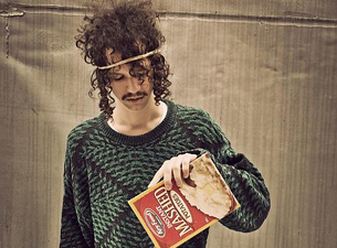Darwin Deez plus Caged Animals / The Very Knees