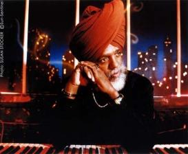 Dr. Lonnie Smith, Trio