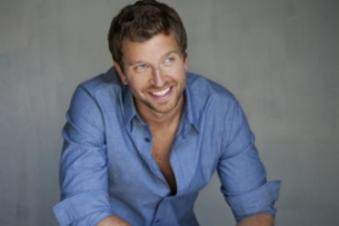 Brett Eldredge: Bring You Back Tour with The Railers
