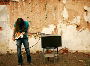Kurt Vile and the Violators with True Widow & The Clutters