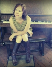 Iris Dement with Shelly Colvin