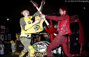 Peelander-Z plus One-Eyed Doll