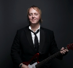 James McCartney plus Jetty Swart