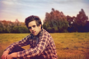Benjamin Francis Leftwich with Tommy & the High Pilots and A B & The Sea