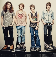 Tyler Bryant & The Shakedown with Modoc