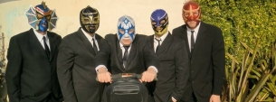 Los Straitjackets plus Miss Mamie Lavona the Exotic Mulatta and her White Boy Band