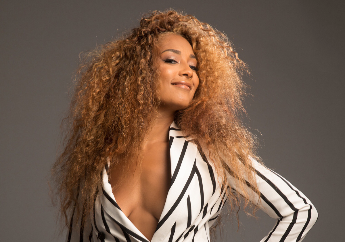 Amanda Seales Nude Photos 12