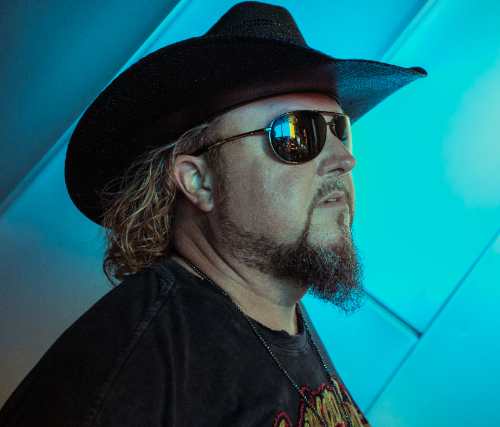 Colt Ford, Framing The Red