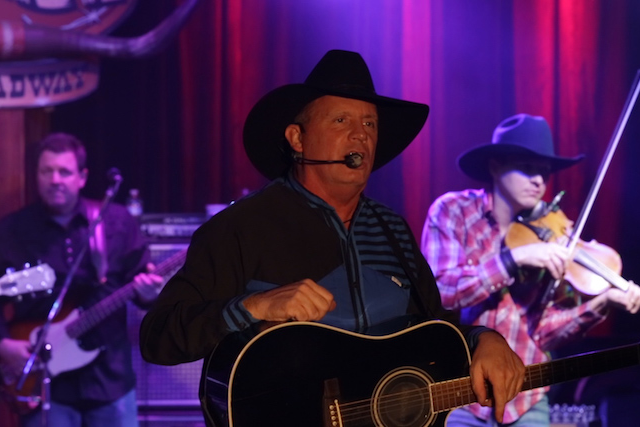 The Garth Experience featuring Scotty Williams with James Carothers and Jerry Lee