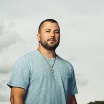 Tyler Farr at Grizzly Rose