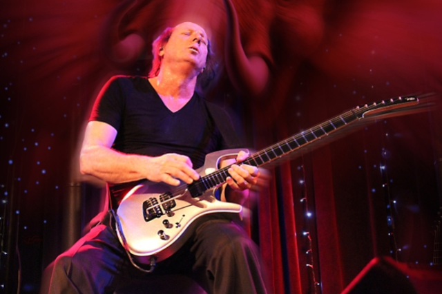 Adrian Belew Seated Show Saul Zonana at The Music Box