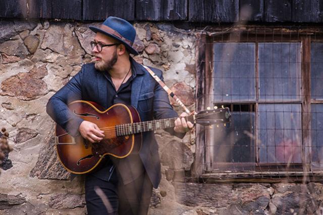 Acoustic Brunch: Benjamin Dakota Rogers