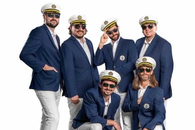 Yachtley Crew