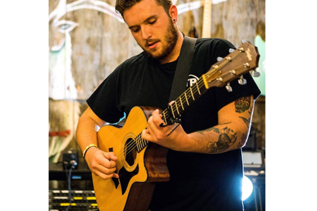 Acoustic Brunch: Sam Hastings at Daryl's House
