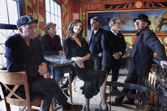 10,000 Maniacs featuring Mary Ramsey at Daryl's House