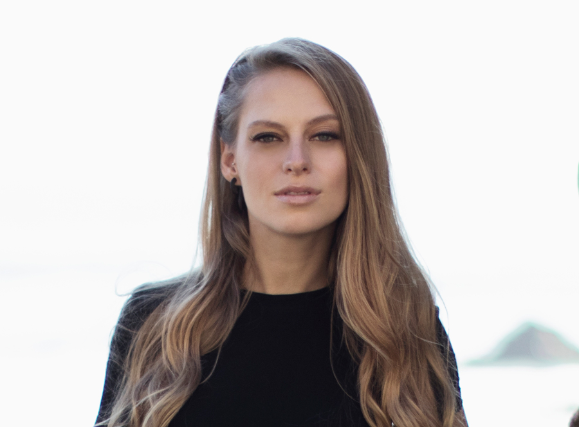 A Special Intimate Performance w/ Nora En Pure